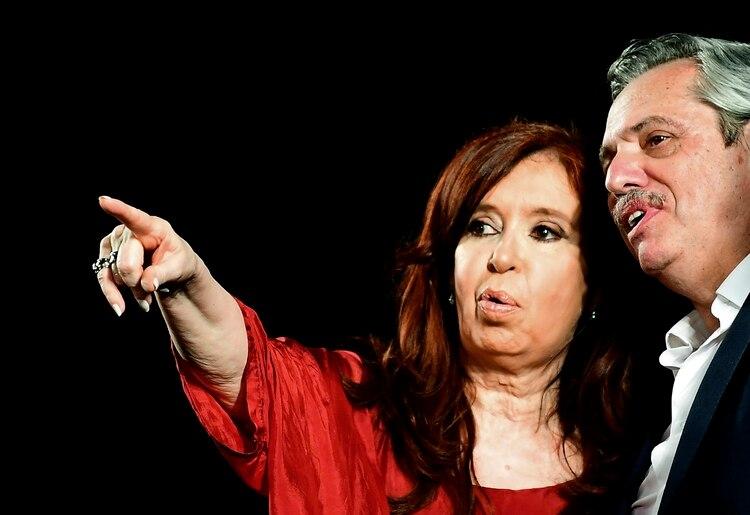 Il giuramento dei Fernández: chi c'era, chi non c'era e quale messaggio per l'Argentina del futuro